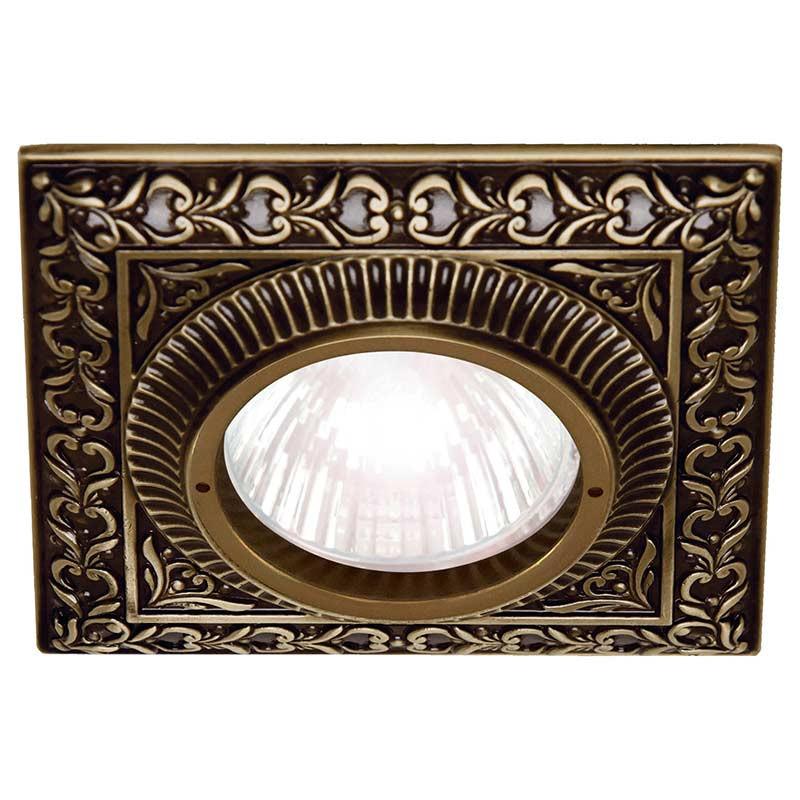 Fede FD1005CPB Квадратный точечный светильникиз латуни, патина светильник точечный треугольный коллекция chianti lights fd1009rpb светлый латунь патина матовое стекло fede феде
