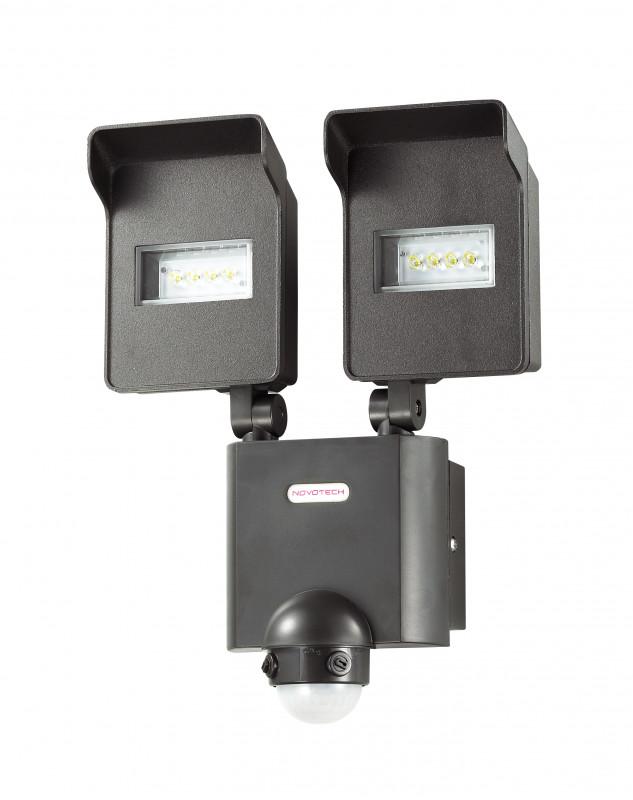 Novotech 357220 NT15 054 чёрный Настенный светильник с ИК датчиком движения IP44 8LED 2*10W 220V TITAN