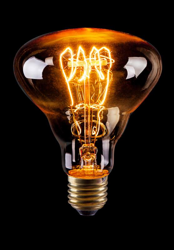 Voltega Рефлектор винтажный BR30 (Янтарь спираль) 60W Е27 VG6-BR30A3-60W voltega лампа винтажная voltega loft груша янтарь e27 60w a75 vg6 a75a3 60w 5931