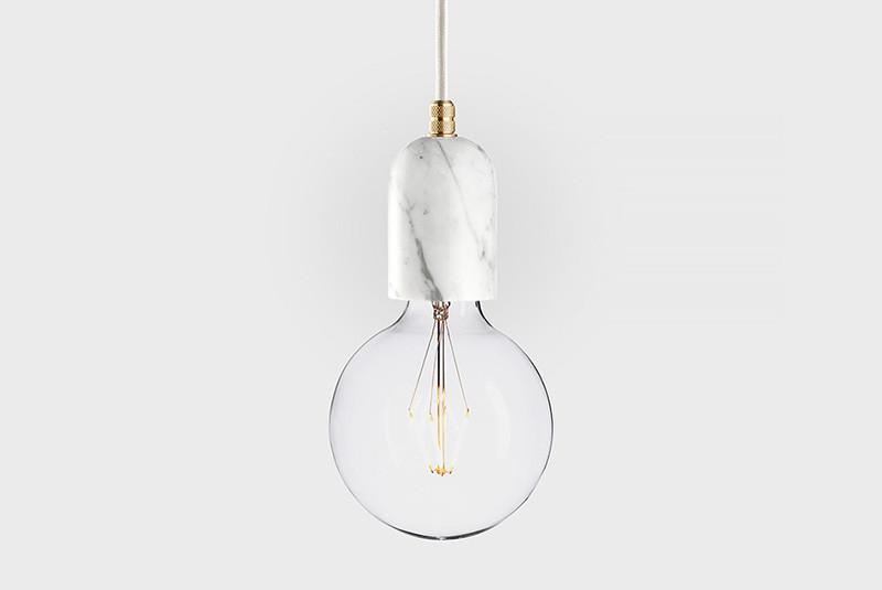 Latitude Подвесной светильник, LATITUDE Marmor Bj?rt bianco/brass latitude подвесной светильник latitude beton bolti grey aluminum