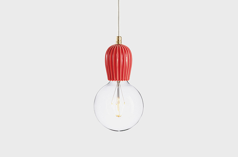 Latitude Подвесной светильник, LATITUDE Keramik Rib koral/brass latitude подвесной светильник latitude beton bolti grey aluminum