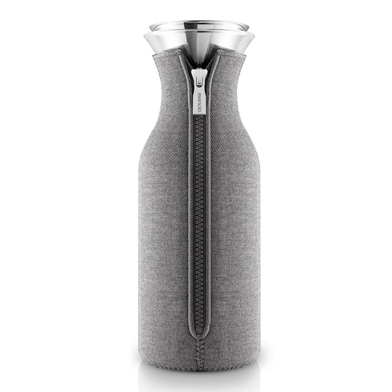Eva Solo Графин fridge в неопреновом текстурном чехле 1 л темно-серый графин fridge в неопреновом текстурном чехле 1 л светло серый 1211349