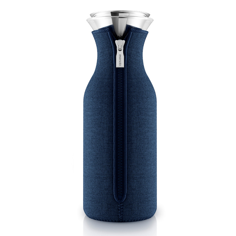 Eva Solo Графин fridge в неопреновом текстурном чехле 1 л тёмно-синий графин fridge в неопреновом текстурном чехле 1 л светло серый 1211349